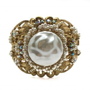 Vintage Pearl Bangle_vintage costume jewellery_ jennifer gibson jewellery