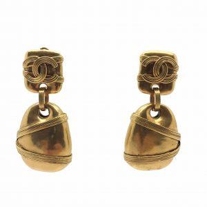 Chanel Earrings, Vintage Chanel, Vintage Costume Jewellery, Vintage Jewellery, Vintage Necklace, Vintage Jewelry, Jewellery Shop, Costume Jewellery, Vintage Costume Jewellery