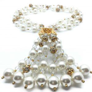 Vintage Pearl Necklace, Bridal Jewellery, Vintage Costume Jewellery, Vintage Jewellery, Vintage Jewelry, Jewellery Shop, Costume Jewellery, Vintage Costume Jewellery