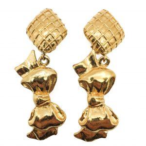 Vintage Chanel bow earring, chanel bow earrings, 1980s chanel, chanel jewellery, vintage chanel jewellery,